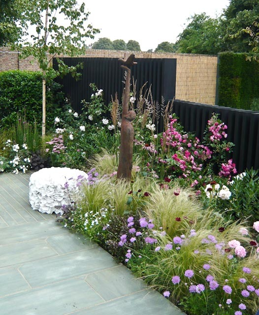 Landscape Design Surrey: Show Garden 2011 - Greenes